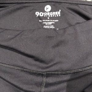 90 degrees by reflex Capri black leggings size S